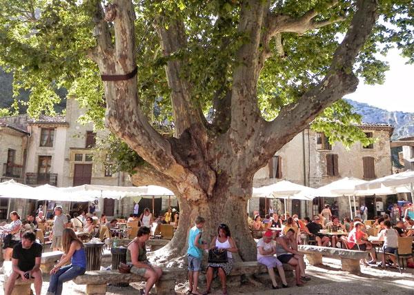Saint Guilhem Le Desert Languedoc Roussillon The Good Life France