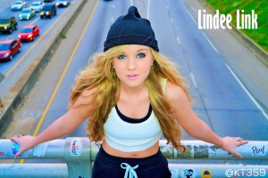 Looking for a Great Musician for Youth Events? Lindee Link Should Be Your No.1 Choice