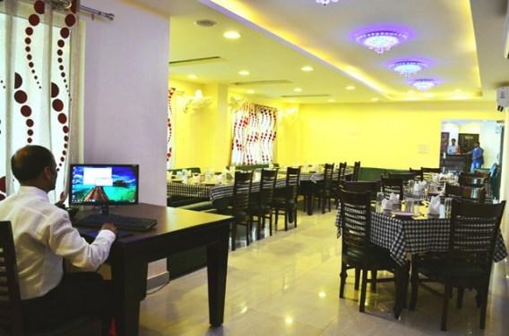 Hotel-The-Great-Ananda-restaurant
