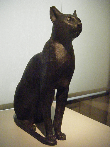Statue of Bast Berlin Museum, cat in ancient Egyptian art