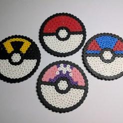 pokeball-sous-bock-pokemon-pixelart-pixelcraft-pixelbeads-perlerbeads-perlerart-hama-hamabeads-hamasprites-artkal-artkalbeads-fusebeads-retro-gaming-sprite-design-tutoriel-pattern