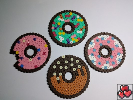 donut-sous-bock-pixelart-pixelcraft-pixelbeads-perlerbeads-perlerart-hama-hamabeads-hamasprites-artkal-artkalbeads-fusebeads-retro-gaming-sprite-design-tutoriel-pattern