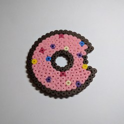 donut-1-sous-bock-pixelart-pixelcraft-pixelbeads-perlerbeads-perlerart-hama-hamabeads-hamasprites-artkal-artkalbeads-fusebeads-retro-gaming-sprite-design-tutoriel-pattern