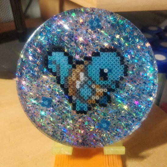 starter-produit-pokemon-holographic-dessous de verre-pixelart-pixelcraft-pixelbeads-perlerbeads-perlerart-hama-hamabeads-hamasprites-artkal-artkalbeads-fusebeads-retro-gaming-sprite-design-tutoriel-modele