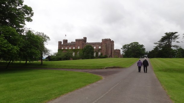 Scone Palace and the couple who gave me a ride