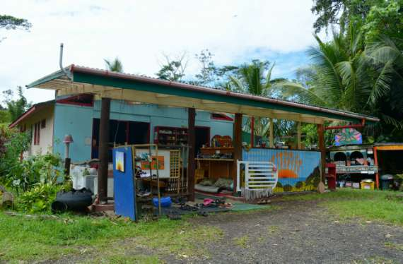 02_Hedonisia-Hawaii_eco-hostel