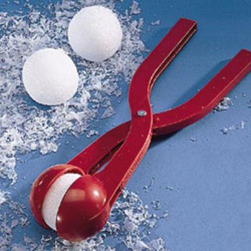 https://i2.wp.com/www.thegreenhead.com/imgs/sno-baller-snow-ball-maker-5.jpg