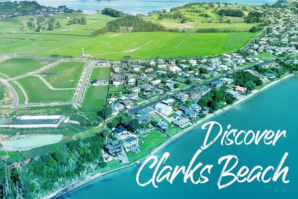 Clarks beach waterfront 3×2