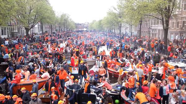 boat kingsday king's day koningsdag amsterdam