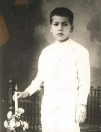 Blessed Jose's first communion.