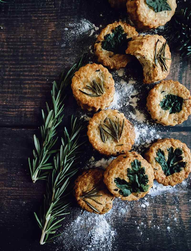 rosemary savoury shortbread