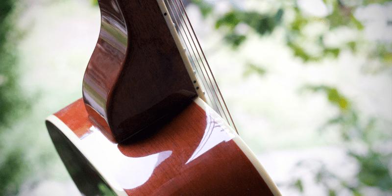 Square neck versus round neck resonator guitars