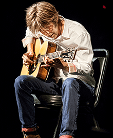 Eric Johnson - Top 25 Fingerstyle Guitar Players