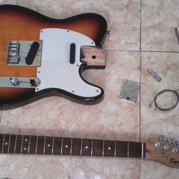 Assembling an Electric Guitar – neck and body