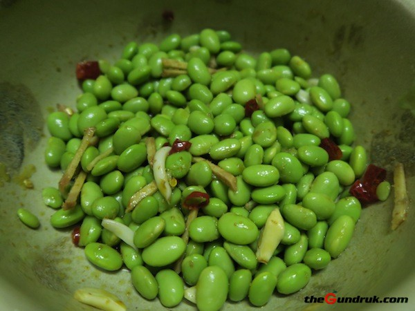 Simple Green Soybean Salad (Waun Musya Wala)