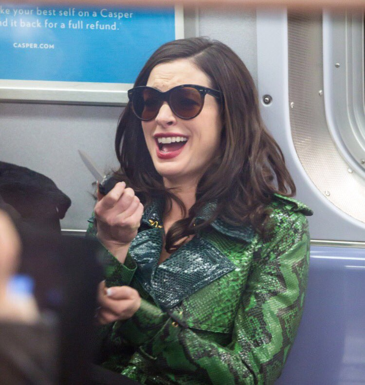 anne-hathaway-knife