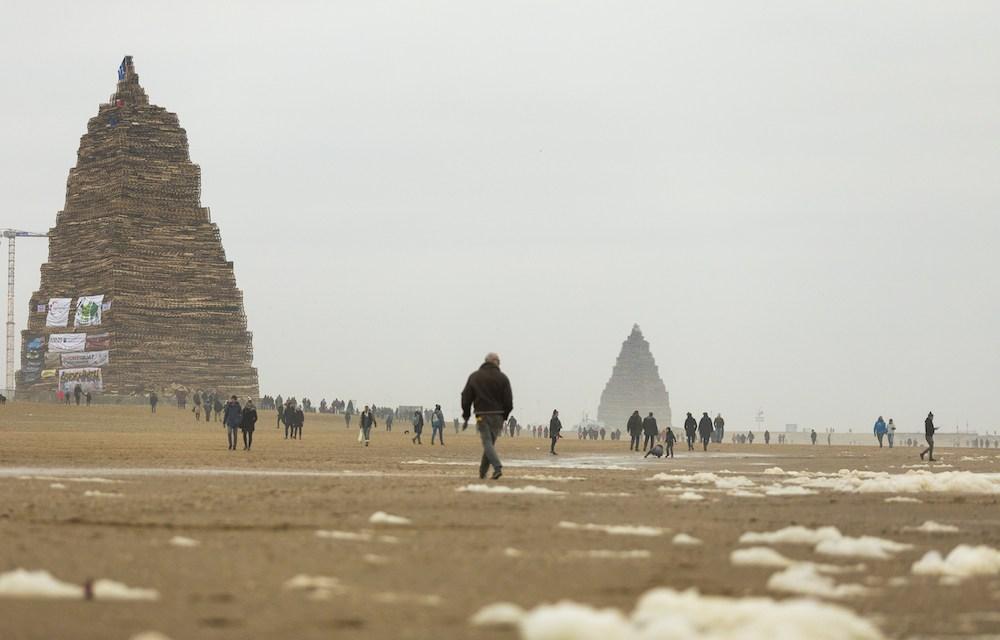 Scheveningen beach bonfire broke permit rules, mayor sets up inquiry