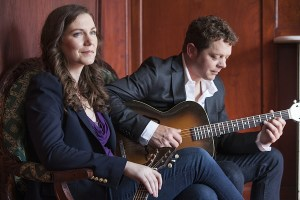 Acoustic Alley Presents: Catherine MacLellan & Chris Gauthier @ Theater In de Steeg