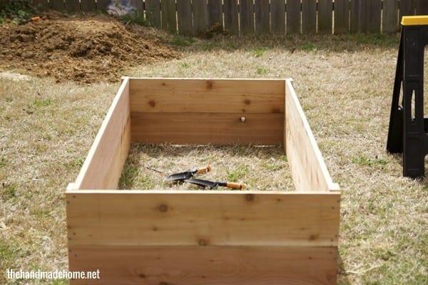 how to build a garden box