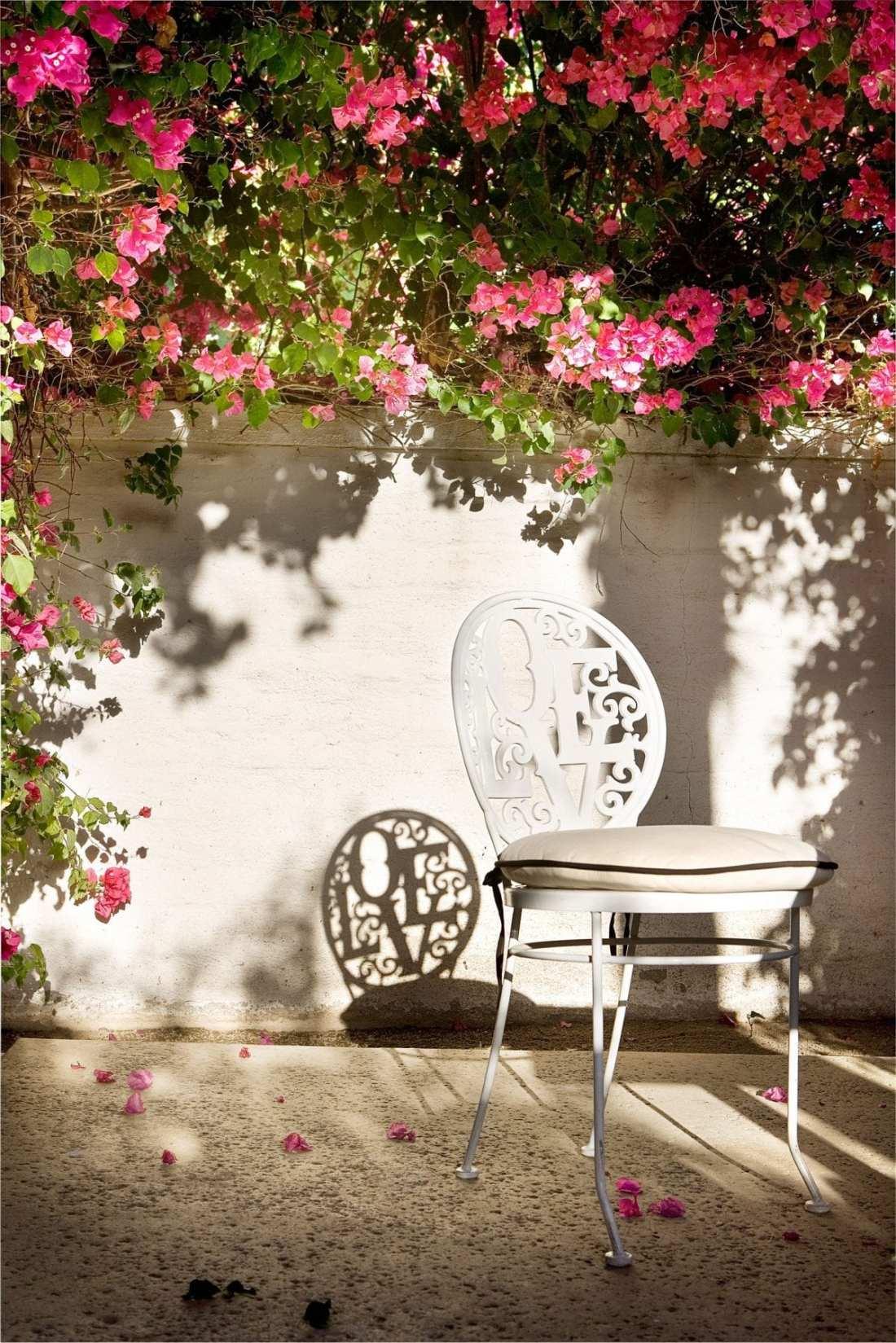 love-chair copy