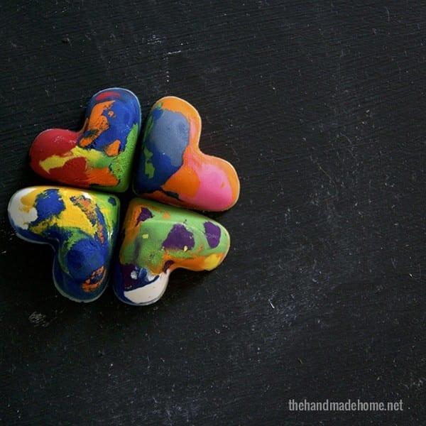 heart_shaped_crayons