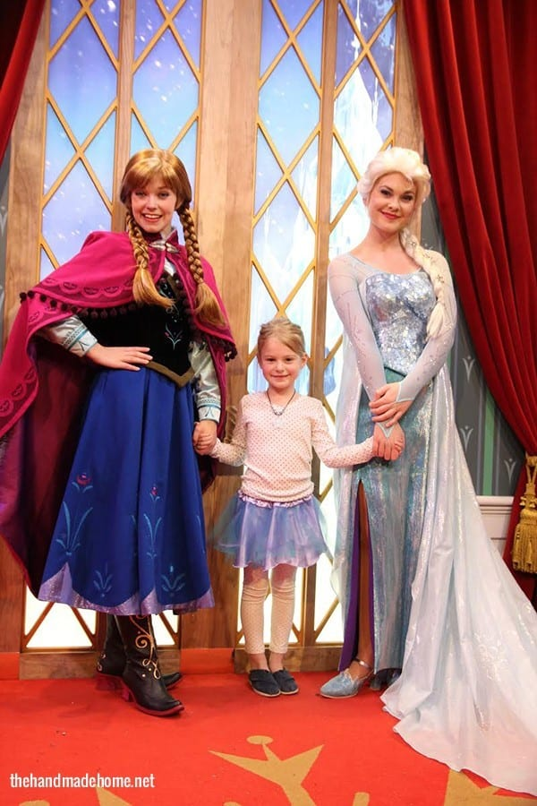 meeting_elsa_and_anna