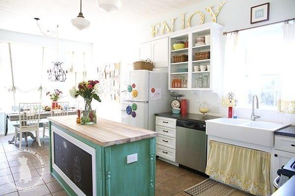 bright_kitchen