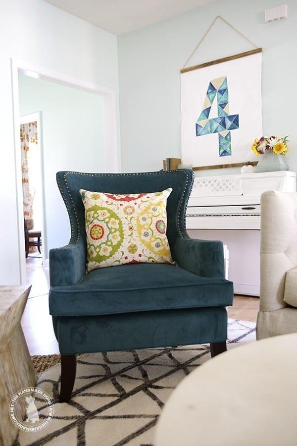 blue_velvet_chair