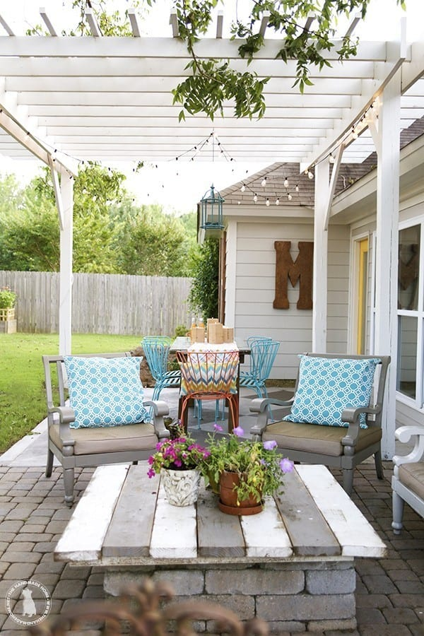 outdoor_candles_and_pergola