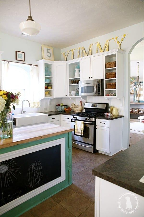 bright_kitchen_island