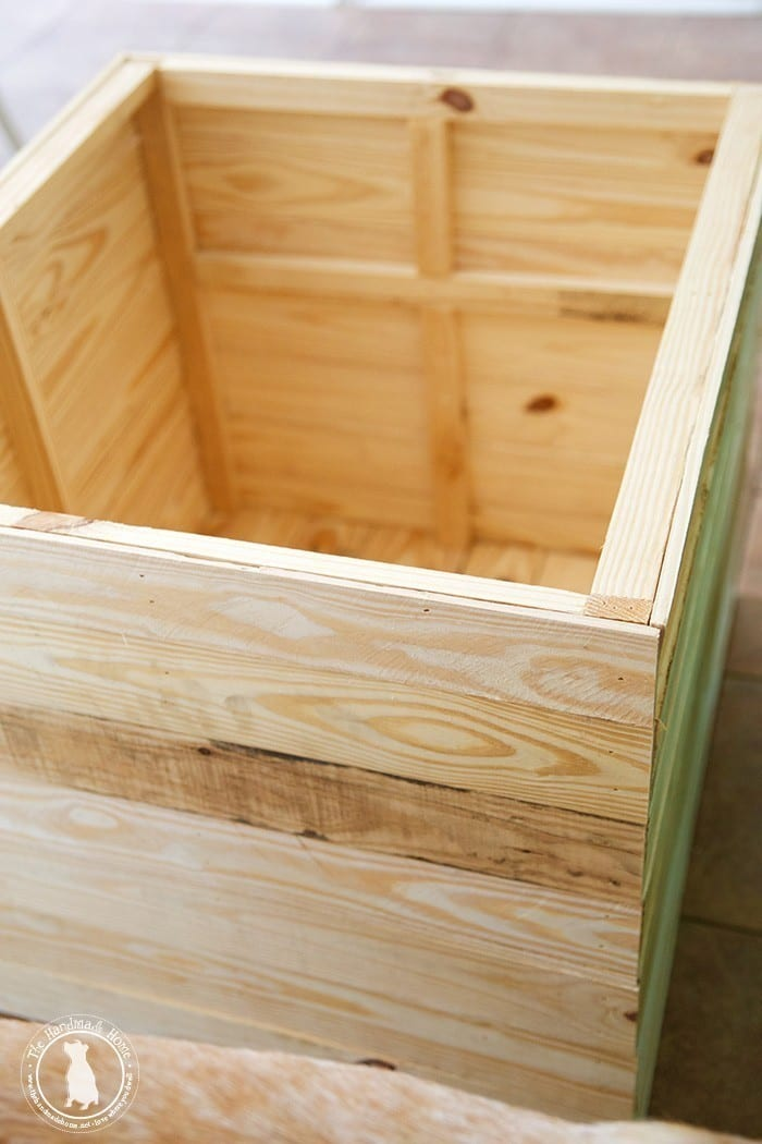 outdoor_toybox_plans