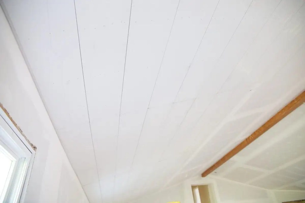 how to shiplap your ceilings - living room