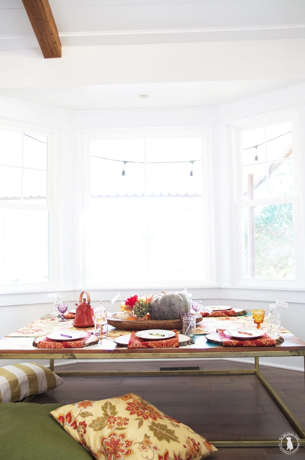 tablescape_kids_thanksgiving_colorful