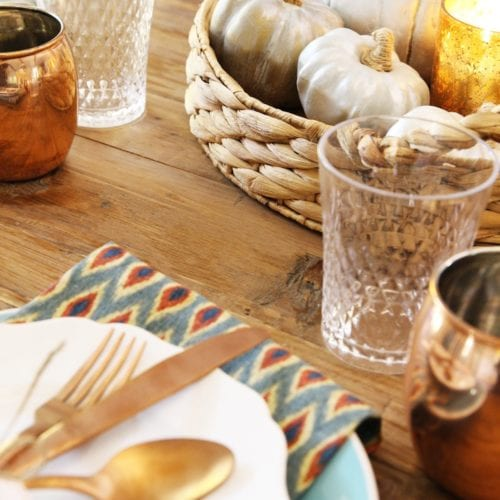 an easy thanksgiving tablescape {+ freebies!}