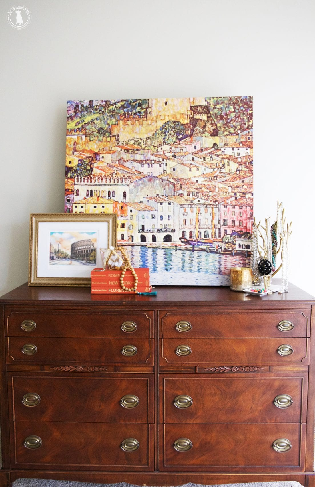 bedroom decorating tips - art