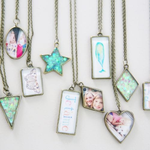 how to make resin jewelry