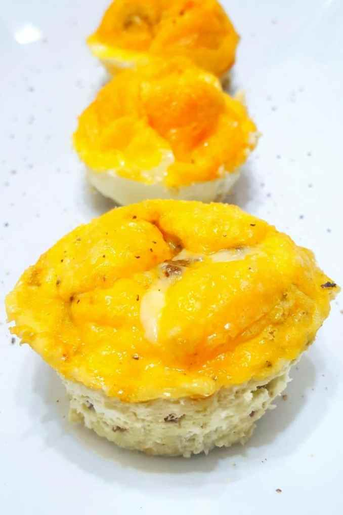 Super Easy Baked Beef, Egg and Cheese Muffins