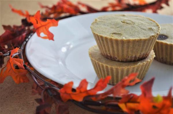 These no-bake mini vegan pumpkin cheesecakes are so good and it's truly remarkable how easy to make they are! There's no excuse, so go make them now! Gluten-free, grain-free, vegan, low-carb.