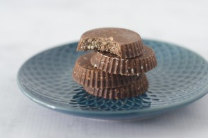 A coconut chocolate fat bomb recipe that takes less than 5 minutes to put together. Simply refrigerate for a few minutes to let the coconut oil harden, then it's time to enjoy them. Gluten-free, grain-free, sugar-free, paleo, keto, low-carb, vegan and vegetarian.