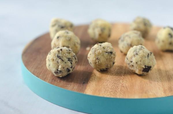 A delicious no-bake cookie dough bite recipe! Perfect for when you really want to dip your spoon into that batter before it cooks, but with none of the worries of consuming raw eggs! Gluten-free, grain-free, Paleo, low-carb, ketogenic.