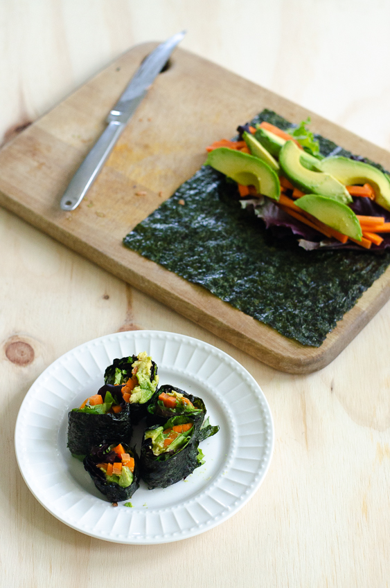 Looking for a lunch recipe or appetizer that will take you under 5 minutes to prepare? These nori-wrapped vegetables are the perfect choice! Gluten-free, grain-free, dairy-free, vegan, Paleo, low-carb and ketogenic.