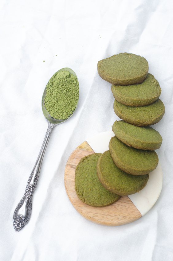 These delicious keto matcha cookies are the perfect accompaniment to tea time or snack time! These are also low-carb, gluten-free, grain-free and sugar-free.