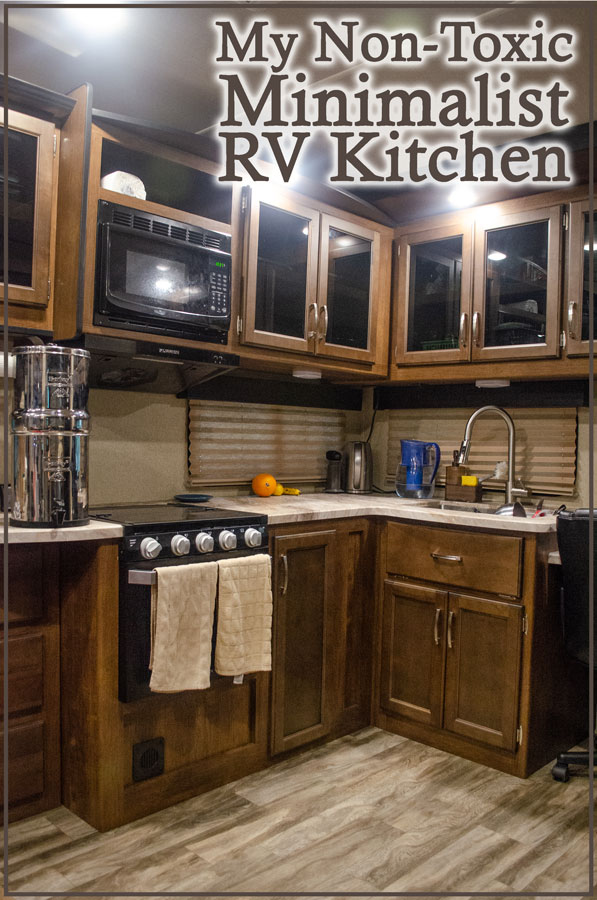 I live full-time in an RV and follow a minimalist, non-toxic, Paleo-style life. Here are my kitchen essentials, as well as some tips and tricks on maintaining a healthy and low-waste kitchen!
