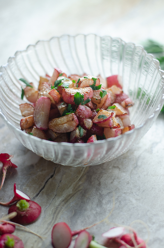These delicious pan-roasted radishes with parsley are an easy and nutritious side dish! Perfect for keto, low-carb, vegan or paleo cooking!