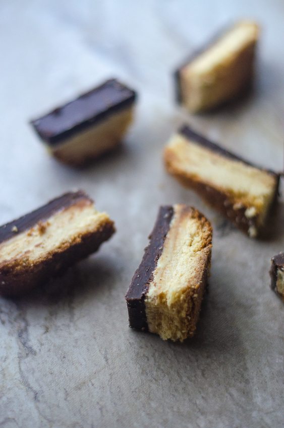 These homemade twix bars are an incredible alternative to store-bought candy bars. Perfect for a Halloween treat or a sweet weekend indulgence! Keto, low-carb, paleo, gluten-free, grain-free, sugar-free.