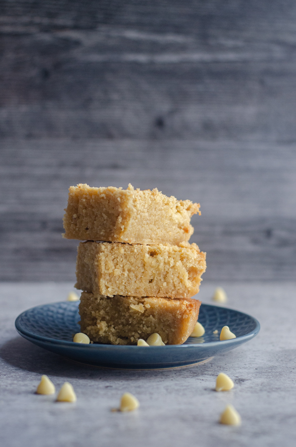A simple and tasty treat, these keto butter blondies are sweet, buttery and full of vanilla flavor! Low-carb, gluten-free, grain-free, paleo option.
