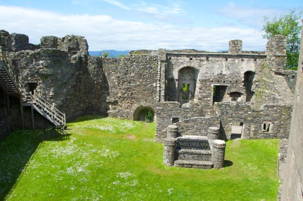 Dunstaffnage Castle (13)