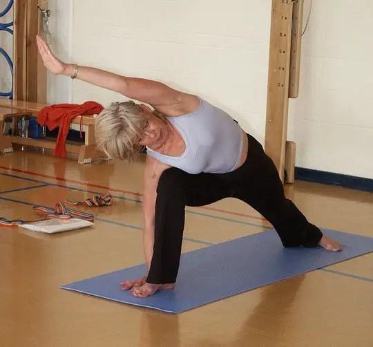 yoga-929855_960_720