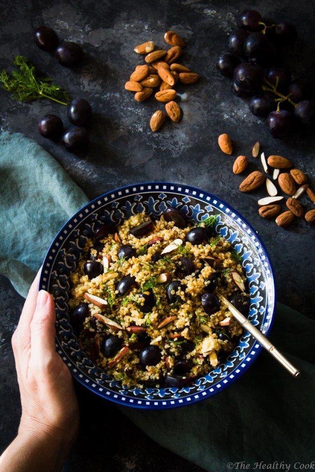 Υγιεινή και χορταστική σαλάτα με κινόα και σταφύλια - A healthy and filling quinoa salad with grapes
