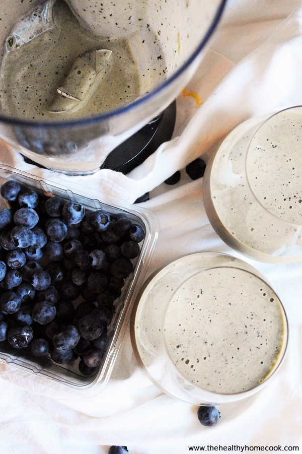 Blueberry Spinach Protein Smoothie- perfect grab and go breakfast